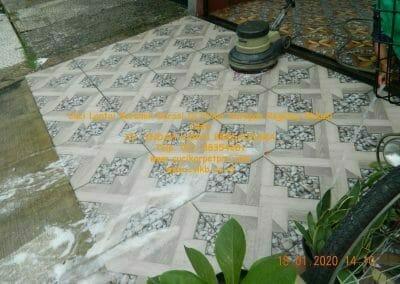 cuci-lantai-keramik-garasi-38