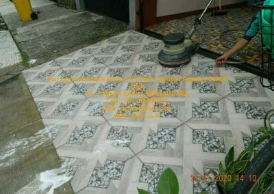 cuci-lantai-keramik-garasi-39
