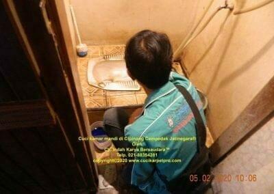 cuci-kamar-mandi-di-cipinang-06