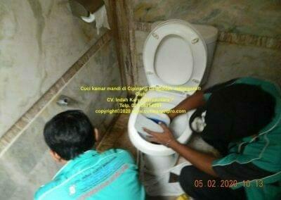 cuci-kamar-mandi-di-cipinang-10