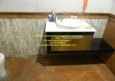 cuci-kamar-mandi-di-cipinang-15