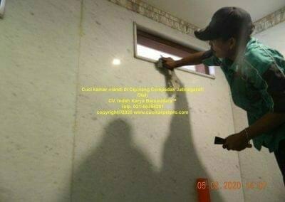 cuci-kamar-mandi-di-cipinang-32