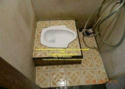 cuci-kamar-mandi-di-cipinang-35