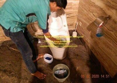 cuci-kamar-mandi-di-cipinang-41
