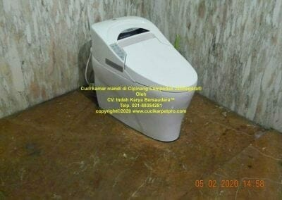 cuci-kamar-mandi-di-cipinang-42