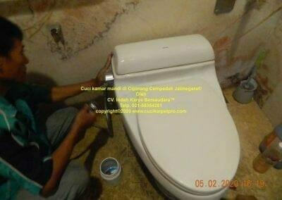 cuci-kamar-mandi-di-cipinang-54
