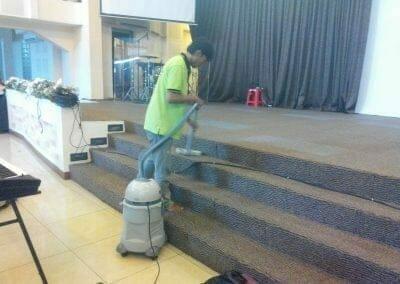 cuci-karpet-gereja-gpdi-08