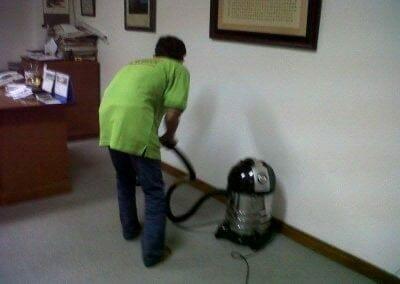 cuci-karpet-kantor-pt-biru-and-sons-03