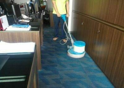 cuci-karpet-kantor-pt-rubik-dna-capital-06