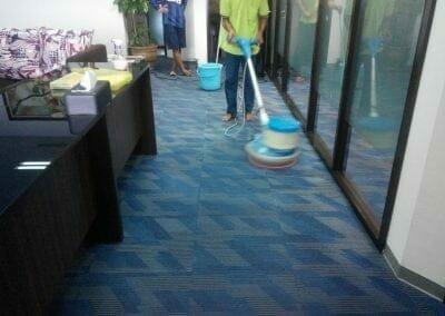 cuci-karpet-kantor-pt-rubik-dna-capital-09