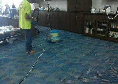 cuci-karpet-kantor-pt-rubik-dna-capital-10