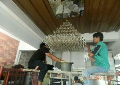 cuci-lampu-kristal-ibu-erlin-13