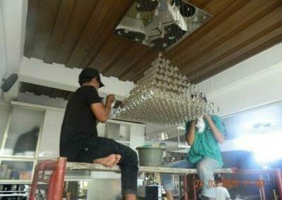 cuci-lampu-kristal-ibu-erlin-14