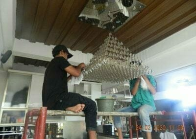 cuci-lampu-kristal-ibu-erlin-15
