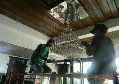 cuci-lampu-kristal-ibu-erlin-18
