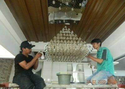 cuci-lampu-kristal-ibu-erlin-19
