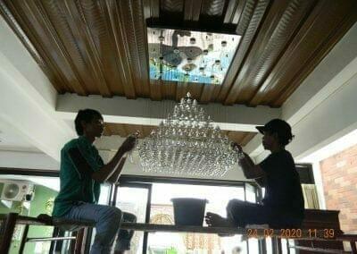 cuci-lampu-kristal-ibu-erlin-24