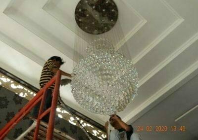 cuci-lampu-kristal-ibu-erlin-34
