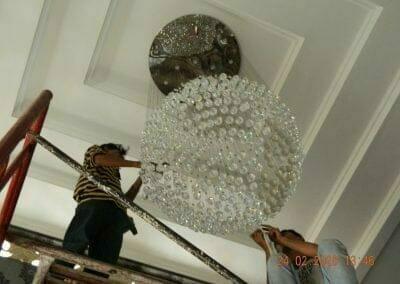cuci-lampu-kristal-ibu-erlin-35