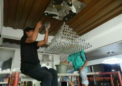 cuci-lampu-kristal-ibu-erlin-36