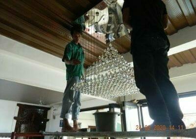 cuci-lampu-kristal-ibu-erlin-41