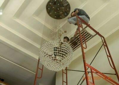 cuci-lampu-kristal-ibu-erlin-43