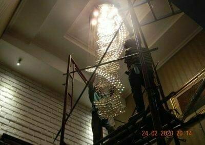 cuci-lampu-kristal-ibu-erlin-60