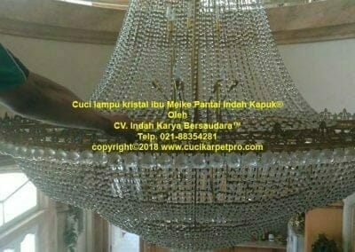cuci-lampu-kristal-ibu-meike-10