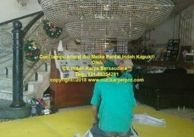 cuci-lampu-kristal-ibu-meike-16