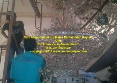 cuci-lampu-kristal-ibu-meike-30