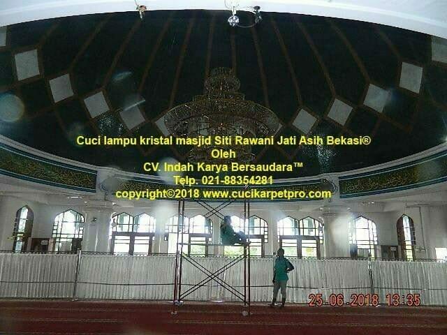 Cuci Lampu Kristal Masjid Siti Rawani Jati Asih Bekasi
