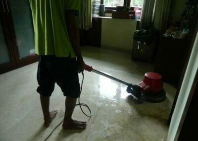 cuci-lantai-marmer-ibu-shinta-10
