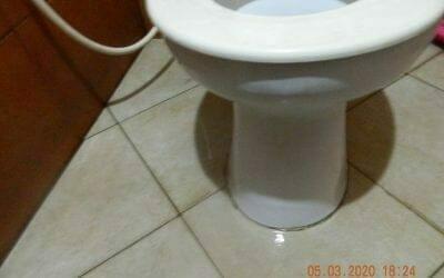 Cuci kamar mandi   Pembersih kamar mandi di Raffles Hills