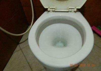 cuci-kamar-mandi-pembersih-kamar-mandi-09