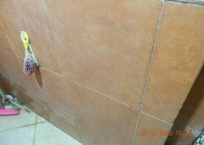 cuci-kamar-mandi-pembersih-kamar-mandi-11