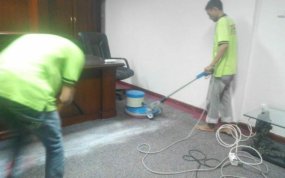 Cuci karpet kantor PT Margabumi Matraraya   jasa cuci karpet