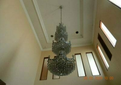 cuci-lampu-kristal-di-mutiara-sanggraha-02