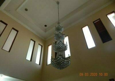 cuci-lampu-kristal-di-mutiara-sanggraha-03
