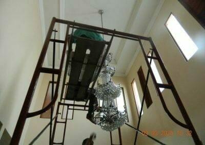 cuci-lampu-kristal-di-mutiara-sanggraha-13