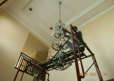 cuci-lampu-kristal-di-mutiara-sanggraha-26