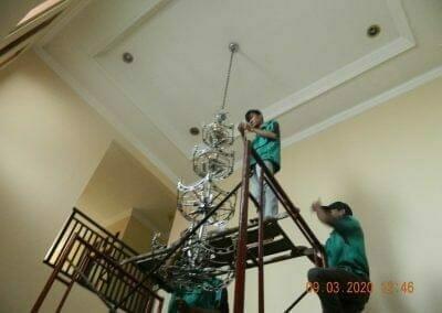 cuci-lampu-kristal-di-mutiara-sanggraha-27