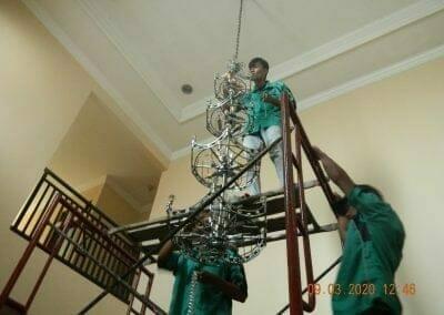 cuci-lampu-kristal-di-mutiara-sanggraha-29