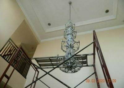 cuci-lampu-kristal-di-mutiara-sanggraha-30
