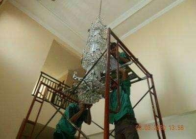 cuci-lampu-kristal-di-mutiara-sanggraha-40