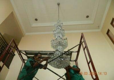 cuci-lampu-kristal-di-mutiara-sanggraha-41