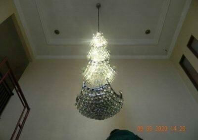 cuci-lampu-kristal-di-mutiara-sanggraha-45