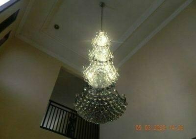 cuci-lampu-kristal-di-mutiara-sanggraha-46