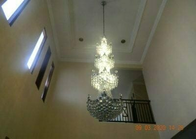 cuci-lampu-kristal-di-mutiara-sanggraha-47