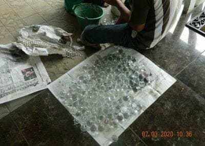cuci-lampu-kristal-haji-sabilan-16