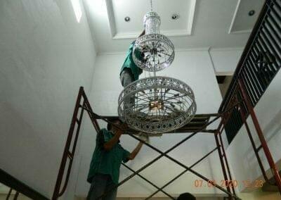 cuci-lampu-kristal-haji-sabilan-35